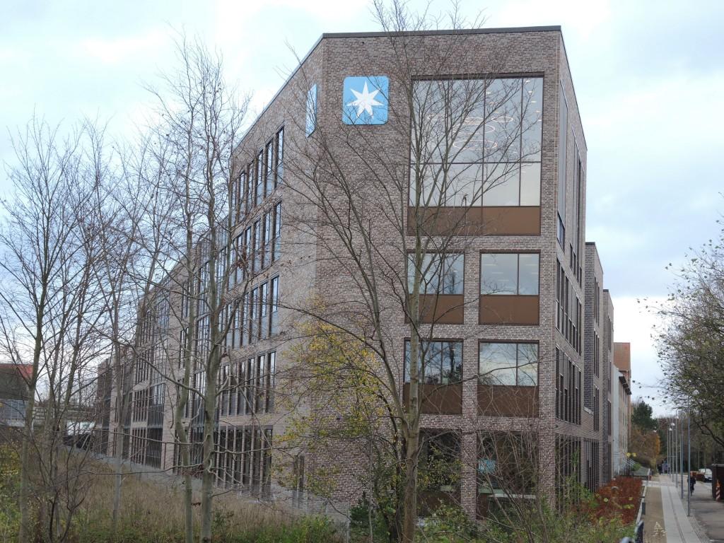 Maersk Drilling/Supply bor i et hus tegnet af Vilhelm Lauritzen Arkitekter med PLH som indendørsarkitekter.