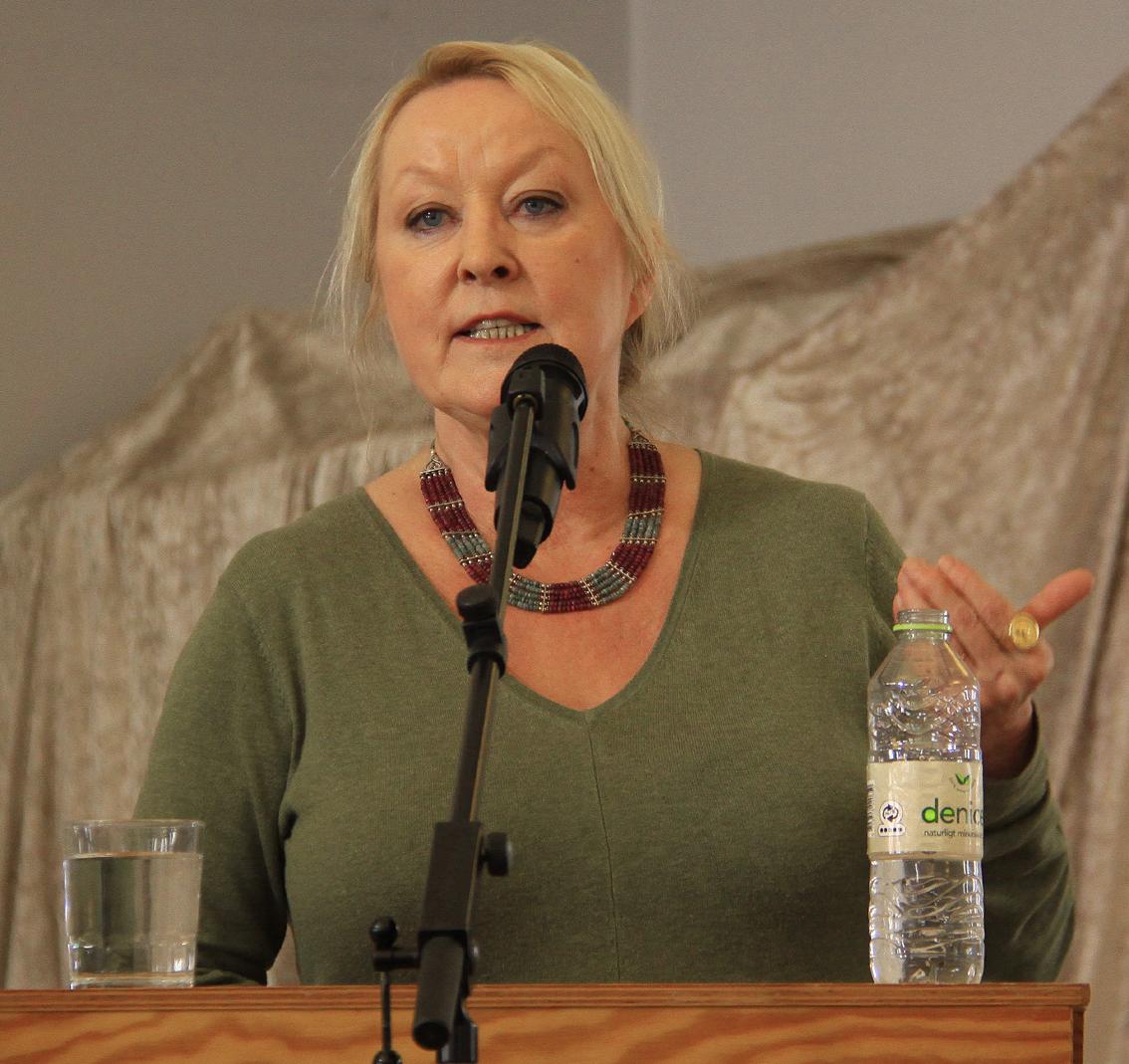 Anne Knudsen, Weekendavisen (2)b