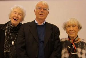 Jørn Lund kendte det halve af forsamlingen, mente han – bl.a. Tove Smidth (t.v.) og Lise Nørgaard,