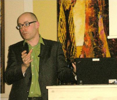 Elkjaer har brugt et halvt år på Syddansk Universitet til studier i især amerikansk journalistik.