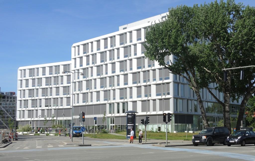 Microsofts 6-7 etages hus på Parallelvej er tegnet af Henning Larsen Architechts.