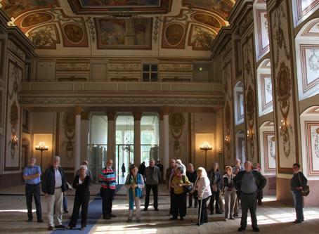 Her på slottet Eszterhazy hørte veteranerne Haydn (på cd) i den pragtsal, hvor komponistens værker blev uropført. (foto: Claus V. Jakobsen)