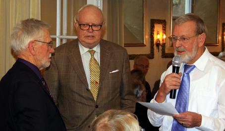 Vinderne af Fremtidsquiz 2012 var Flemming Hansen (t.v.) og P.H. Seifert. De havde 17 rigtige af 20 spørgsmål, afslørede quizmaster Børge Egelund Jørgensen