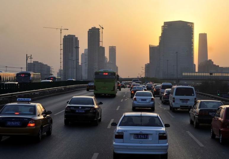 Beijing imponerer med både historie og femsporede motorveje... Foto: Anker Tiedemann